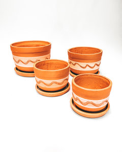 White engraved curved pot set X4
