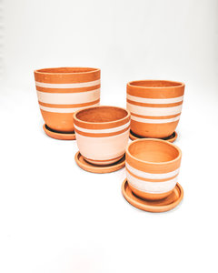 White lines high curved pot set X4